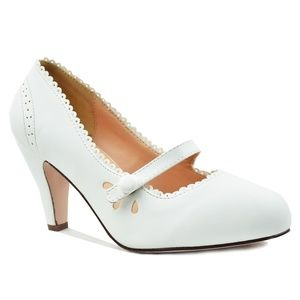 Chase + Chloe Shoes - Women's Mary Jane Tear-Drop Retro White Pump